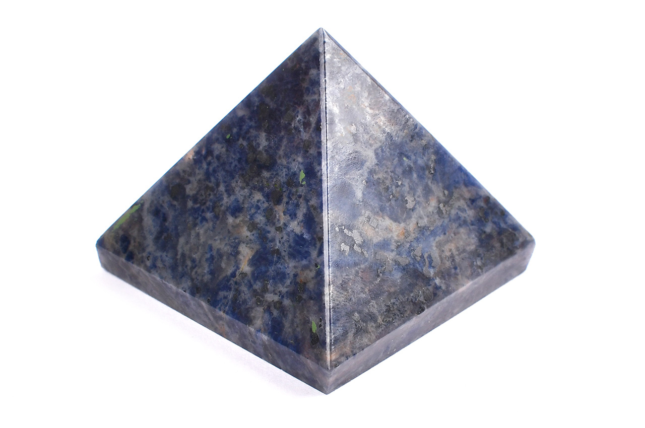 Pyramid in Blue Sodalite - Communication and creativity - 113 gms