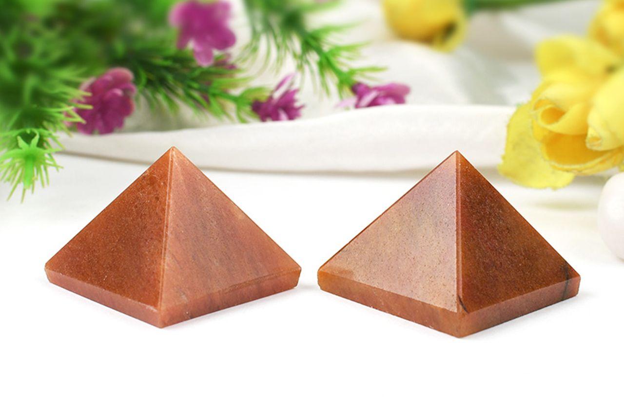 Pyramid in Natural - Red Jade - Set of 2