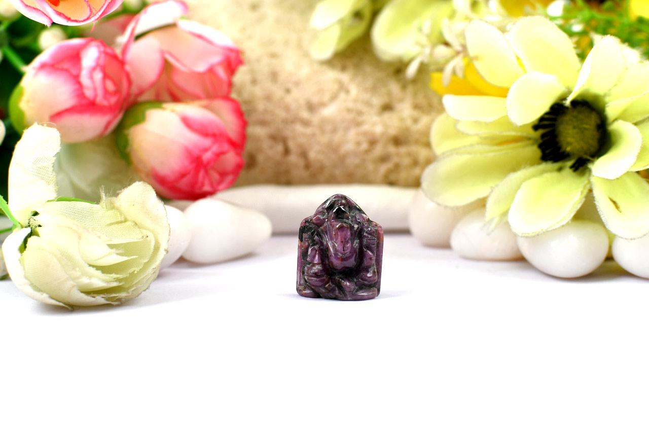 Ruby Ganesh - 27.75 carats