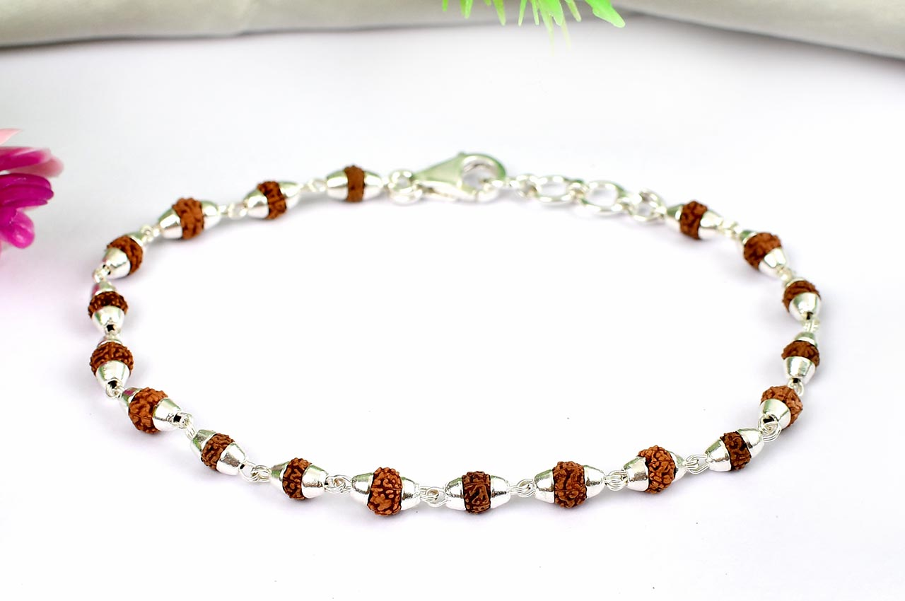 Rudraksha punchmukhi Bracelet in conical silver caps