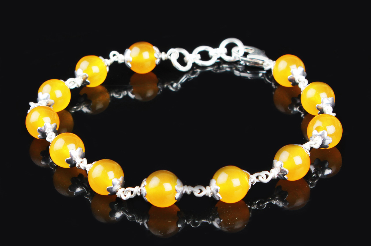 Yellow Agate Bracelet in pure silver flower caps