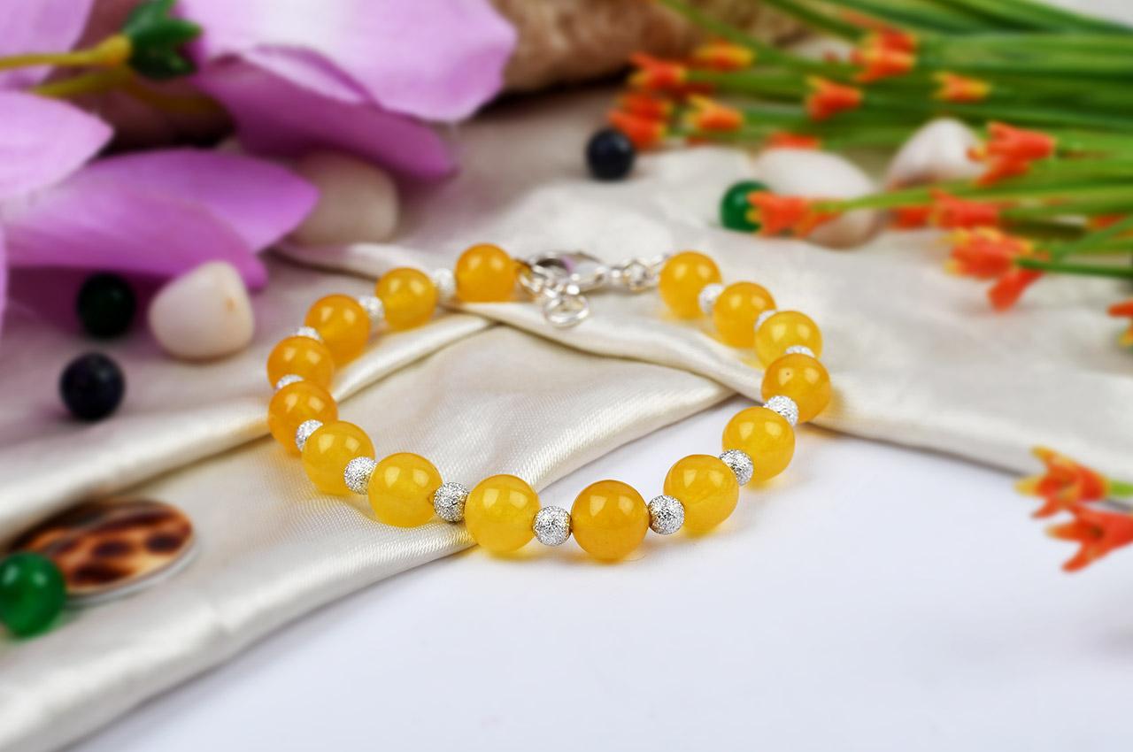 Yellow Jade Bracelet in Round Beads