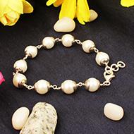 Pearl Bracelet in silver caps