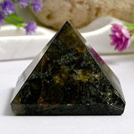 Pyramid in Labradorite - Support and stability - I